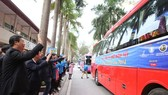 Hỗ trợ 1.000 sinh viên nghèo về quê đón tết