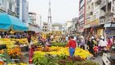 Thị trường hoa tết Trà Vinh sội đông phiên 30 tết