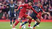 Liverpool (áo đỏ) trong trận hòa 0 - 0 với Manchester City tại vòng 8 - Giải Ngoại hạng Anh 2018-2019