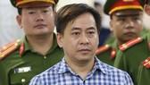 """Bị cáo Phan Văn Anh Vũ (tức Vũ """"nhôm"""") tại phiên tòa sơ thẩm"""
