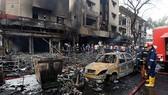 Hiện trường vụ đánh bom xe. Ảnh: Reuters
