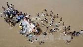 Xe buýt lao xuống sông ở Ấn Độ, ít nhất 28 người thiệt mạng
