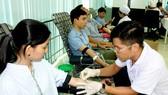 Hơn 180.000 lượt người dân tham gia hiến máu cứu người