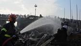 Hiện trường vụ hỏa hoạn. Ảnh: Reuters