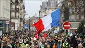 Pháp: Phe Áo vàng tiếp tục đổ về nhiều thành phố