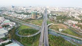 Hạ tầng giao thông cửa ngõ phía Tây TPHCM kết nối với Vùng kinh tế trọng điểm phía Nam. Ảnh: CAO THĂNG