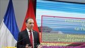 Tổng Lãnh sự Cộng hòa Pháp tại TP Hồ Chí Minh Vincent Floreani phát biểu tại buổi Họp mặt kỷ niệm. Ảnh: TTXVN