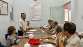 Chi bộ khu phố 1, phường 6 quận Bình Thạnh, có 3 đảng viên là cán bộ, công chức phường đang sinh hoạt định kỳ
