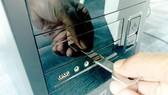 Cần phòng chống tấn công ngoại tuyến khi mã độc lây lan qua USB… Ảnh: T.BA