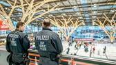 Cảnh sát Đức kiểm soát an ninh tại sân bay