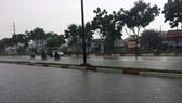 Xuất hiện áp thấp, miền Nam mưa to