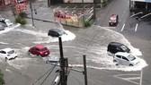 Nhật Bản hứng chịu bão Tapah. Ảnh: AP
