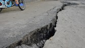 Nhà Bè xuất hiện vết nứt dài 40m, nguy cơ sạt lở rất cao