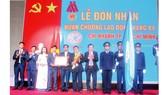 Thừa ủy quyền Chủ tịch nước, Lãnh đạo UBND Tỉnh Khánh Hòa trao Huân chương Lao động hạng 3 cho tập thể CB-CNV Công ty TNHH MTV YSKH Chi nhánh TPHCM