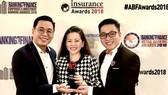 Đội ngũ marketing của FWD Việt Nam chia sẻ niềm vui khi trở thành công ty bảo hiểm nhân thọ đầu tiên tại Việt Nam được nhận giải thưởng danh giá này.