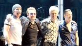 U2 hủy diễn ở Berlin (Đức) vì Bono mất giọng