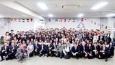 Các bạn sinh viên Việt Nam, quốc tế cùng các đại biểu tham gia chương trình