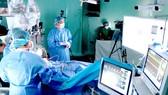 Nhiều bệnh viện ở Việt Nam đã đẩy mạnh ứng dụng trí tuệ nhân tạo và robot trong phẫu thuật