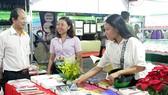 Báo SGGP trao tặng Hậu Giang 2 thư viện sách trị giá 100 triệu đồng