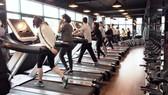 Nhiều người đến các điểm tập gym để rèn luyện sức khỏe