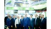 Gian hàng của Bamboo Airways tại Hội chợ Du lịch quốc tế Thành phố Hồ Chí Minh lần thứ 15 tiếp đón nhiều lãnh đạo trung ương và địa phương thăm quan
