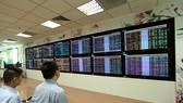 Khối ngoại mua ròng 200 tỷ đồng trong phiên VN-Index giảm gần 10 điểm