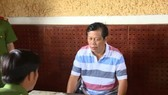 Đại gia Trịnh Sướng bị cơ quan công an bắt giữ để điều tra về hành vi sản xuất, mua bán hàng giả