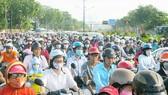 Lĩnh vực giao thông là một trong những nội dung trọng tâm của quá trình xây dựng đô thị thông minh tại TPHCM. (Trong ảnh: Tình trạng kẹt xe trên đường Trường Chinh, quận Tân Phú)