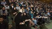 Iran cấm giáo viên xấu xí