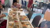 TPHCM: Phải cho phụ huynh vào trường giám sát chất lượng bữa ăn của học sinh