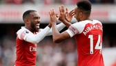Arsenal - West Ham  3-1, Arnautovic mở tỷ số, Monreal, Welbeck lập công