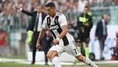 Cristiano Ronaldo trong màu áo Juvbentus.