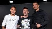 Neymar, Messi và Ronaldo.