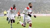 Nabil Fekir mang về suất vào vòng knock-out cho Lyon