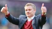 Man United mượn Thiên thần Solskjaer làm HLV tạm quyền