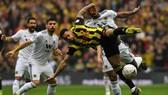 Watford - Wolves 3-2: Deulofeu ghi cú đúp đưa Watford vào chung kết