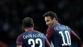 Tuyên bố rời PSG, Dani Alves sẽ kéo Neymar theo mình