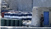 Trung Quốc đã thông báo sẽ ban hành  lệnh  giới hạn xuất khẩu dầu mỏ sang Triều Tiên từ năm sau