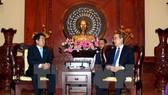 Bí thư Thành ủy Thành phố Hồ Chí Minh Nguyễn Thiện Nhân tiếp ông Jegal Won Youg, Chủ tịch Hội đồng thành phố Incheon (Hàn Quốc).
