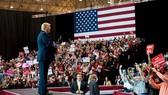 Tổng thống Donald Trump tại một cuộc mít tinh ngày 5/11 ở Cleveland. Ảnh: New York Times