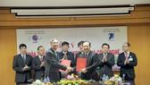 Cũng tại buổi lễ này, một Thỏa thuận hợp tác nghiên cứu và triển khai sản phẩm công nghệ cao cũng đã được ký kết giữa Trung tâm Phát triển công nghệ cao (thuộc Viện Hàn lâm) và Trung tâm Nghiên cứu và Phát triển (thuộc VNPT)