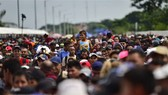 Người di cư tại khu vực Ciudad Hidalgo, bang Chiapas, Mexico, trong hành trình tới Mỹ. (Ảnh: AFP/TTXVN)