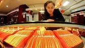 Lo ngại cuộc chiến thương mại Mỹ-Trung, giá vàng phục hồi