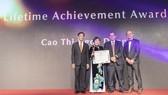 """Bà Cao Thị Ngọc Dung được trao giải """"Thành tựu trọn đời"""" ngành kim hoàn Châu Á"""