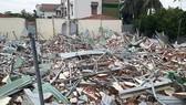Dãy nhà trọ sai phép ở khu phố 4, phường Hiệp Bình Chánh (quận Thủ Đức) bị cưỡng chế tháo dỡ tháng 8-2017.