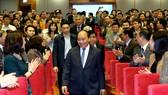 Thủ tướng Nguyễn Xuân Phúc đến dự Hội nghị triển khai kế hoạch công tác năm 2018 của Tổng cục Thống kê