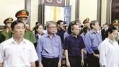 Các bị cáo trong phiên xét xử sơ thẩm vụ án chiếm đoạt tiền và sử dụng tiền trái pháp luật xảy ra tại Ngân hàng TMCP Đại Tín