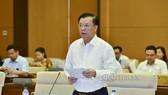 Bộ trưởng Bộ Tài chính Đinh Tiến Dũng đã giải trình nhiều lần, nhưng chưa được sự đồng thuận của Ủy ban Thường vụ Quốc hội về việc tăng thuế môi trường