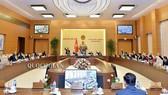 Toàn cảnh phiên họp của UBTVQH sáng 11-12