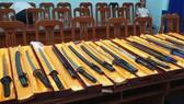 Triệt phá đường dây mua bán vũ khí, công cụ hỗ trợ lớn ở TPHCM